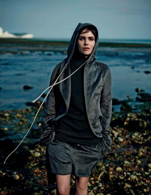 Vogue Netherlands September 2014_Emma Champtaloup_Annemarieke Van Drimmelen (2)