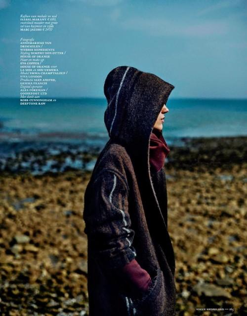Vogue Netherlands September 2014_Emma Champtaloup_Annemarieke Van Drimmelen (7)