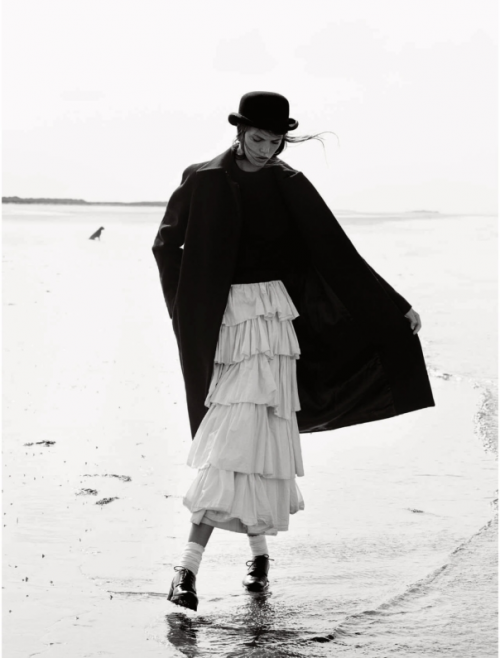 Elle UK October 2014 the new puritan Josefien Rodermans, Luke Powell (11)