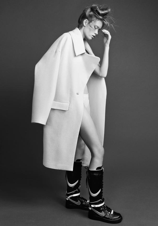 julia-hafstrom-by-hasse-nielsen-for-scandinavia-ssaw-magazine-fall-winter-2014 (2)