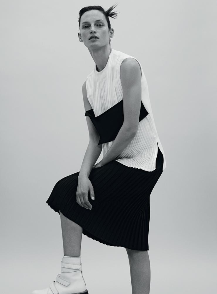 Vivien Solari By Johan Sandberg For Russh Magazine April 2015 (3)