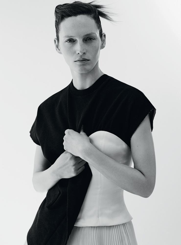 Vivien Solari By Johan Sandberg For Russh Magazine April 2015 (4)