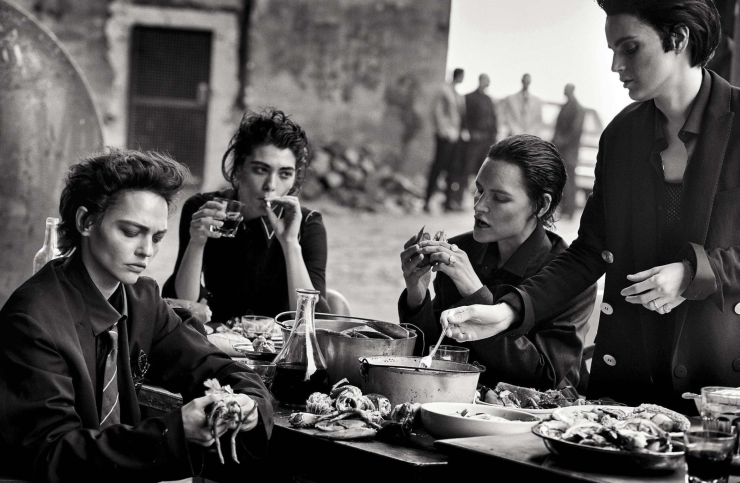 sasha-pivovarova-guinevere-van-seenus-steffy-argelich-kirsten-owen-by-peter-lindbergh-for-vogue-italia-may-2015 (4)