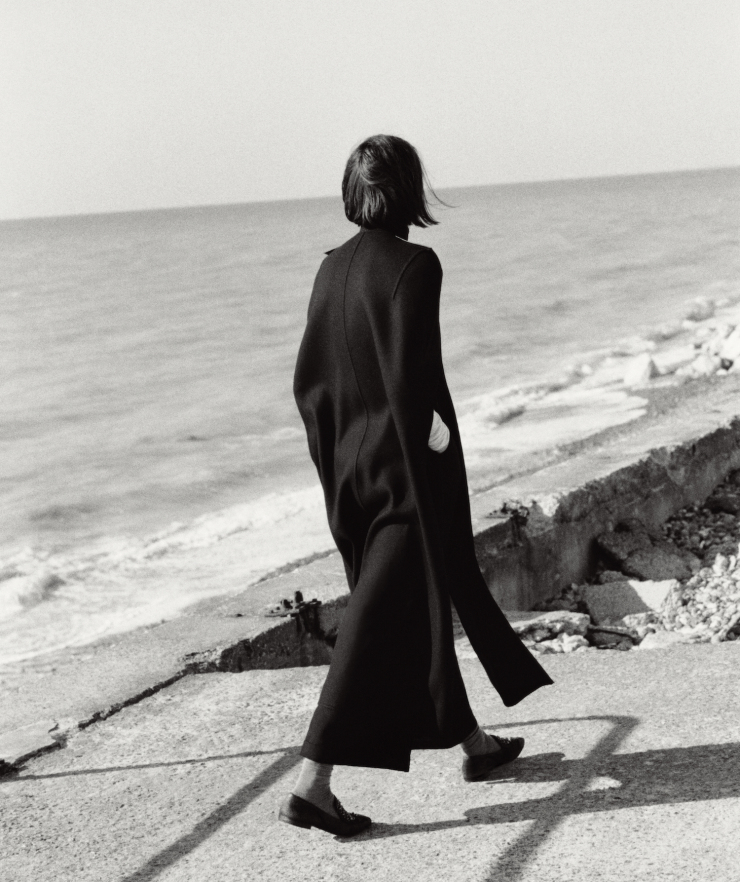 Cool Weather Style Goes Coastal Sam Rollinson by Christian MacDonald for WSJ Magazine September 2015 (2)