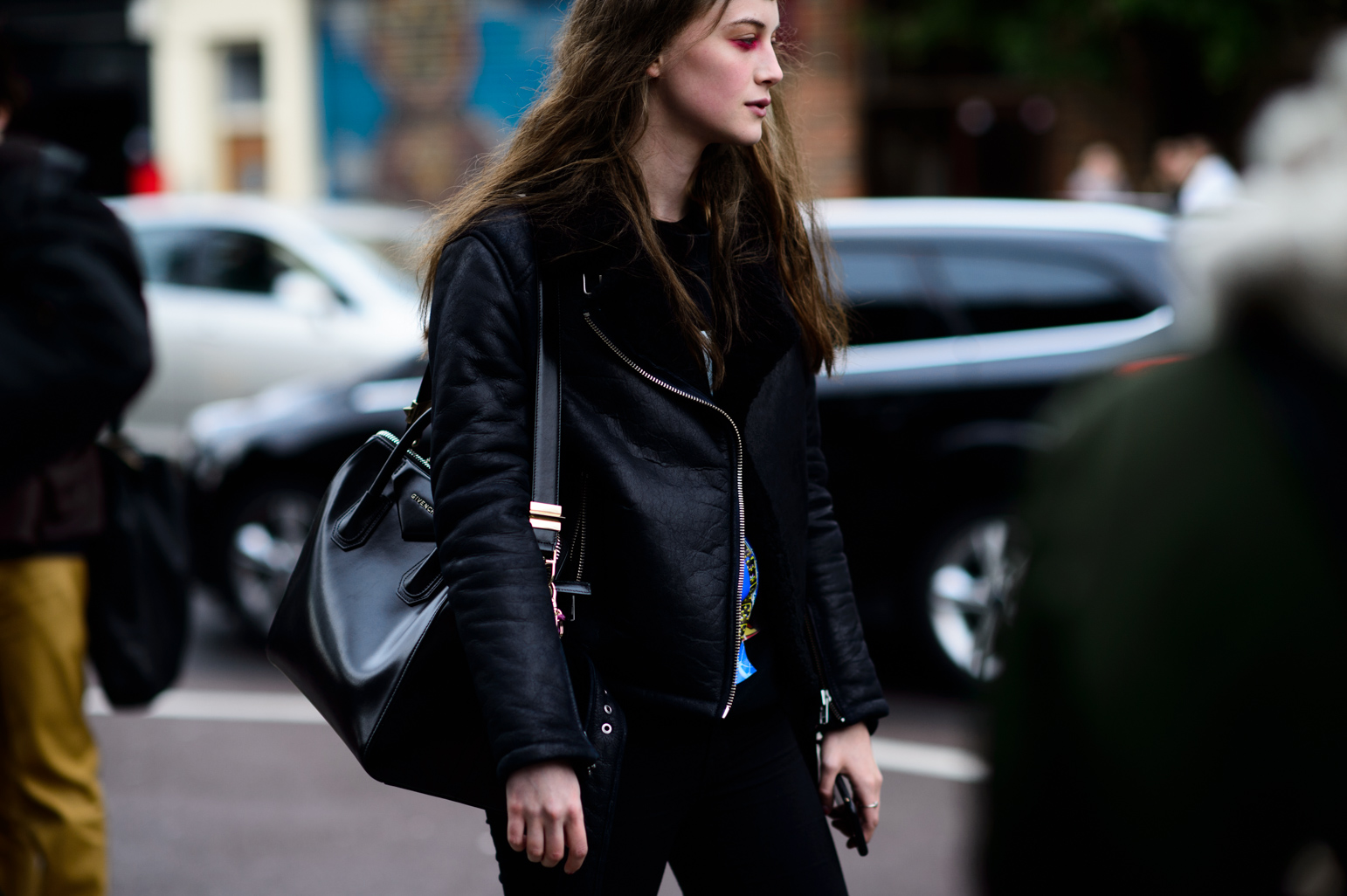 London Fashion Week Spring 2016 Street Style 68 Minimal Visual