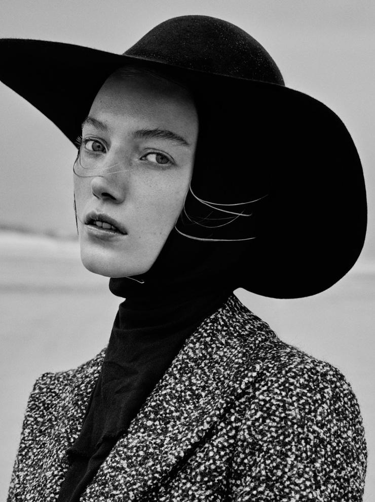 November 2015 Black Issue of Vogue Ukraine With Lou Schoof & Nils Schoof (7)