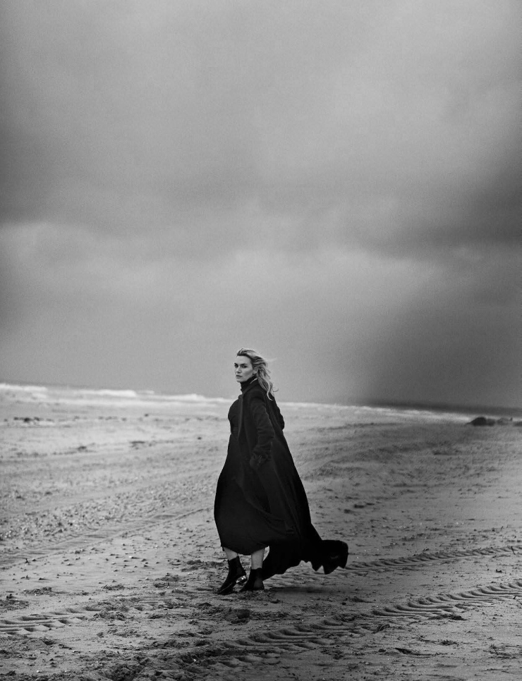 kate-winslet-by-peter-lindbergh-for-vogue-italia-november-2015 (9)