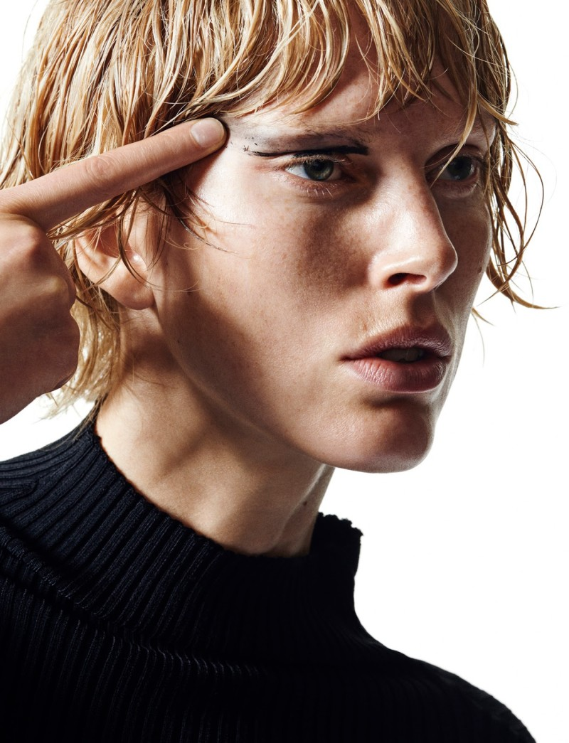 Iselin Steiro by Hasse Nielsen For Cover Magazine December 2015 (12)