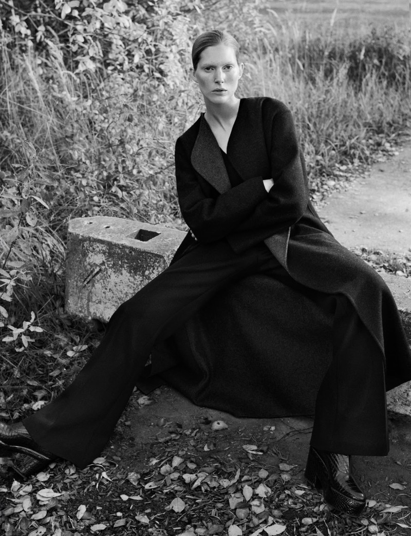 Iselin Steiro by Hasse Nielsen For Cover Magazine December 2015 (4)