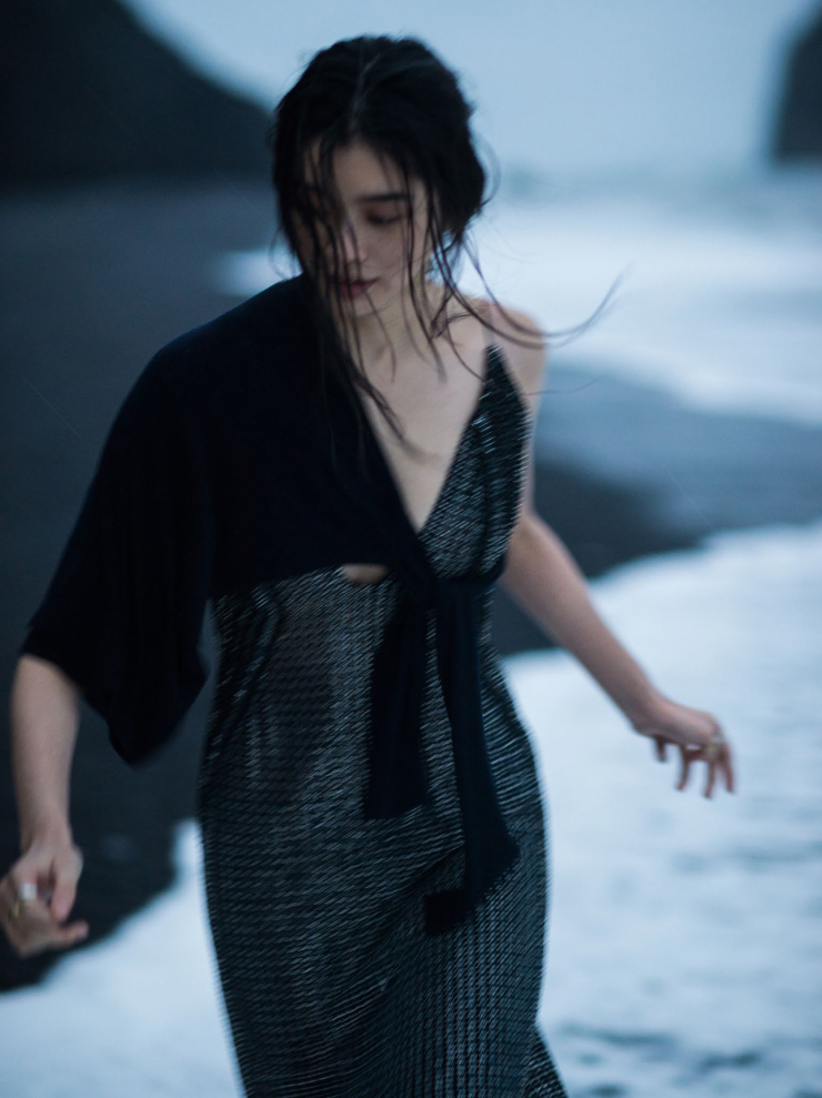 Ming Xi by Gilles Bensimon for Vogue China January 2016 (10)