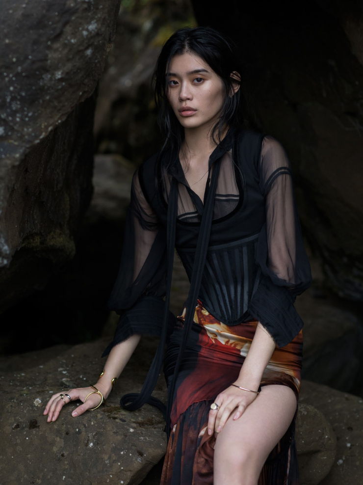 Ming Xi by Gilles Bensimon for Vogue China January 2016 (3)