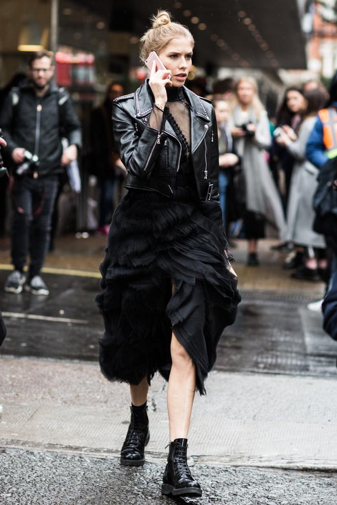 London Fashion Week Fall 2016 Street Style 111 Minimal Visual