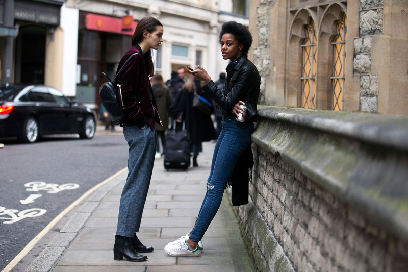 London Fashion Week Fall 2016 Street Style 19 Minimal Visual