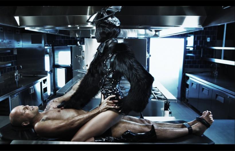 Emma Heming & Bruce Willis By Steven Klein For W Magazine July 2009 Honeymoon Hotel (5)