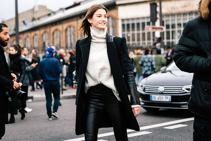 Paris Fashion Week Fall 2016 Street Style 44 Minimal Visual