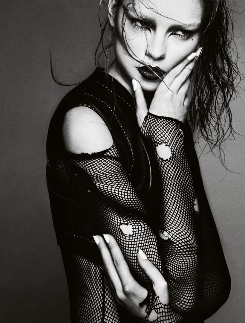 Gwen Loose by Txema Yeste For Virgine Magazine Spring-Summer 2011 Azzedine Alaia (1)