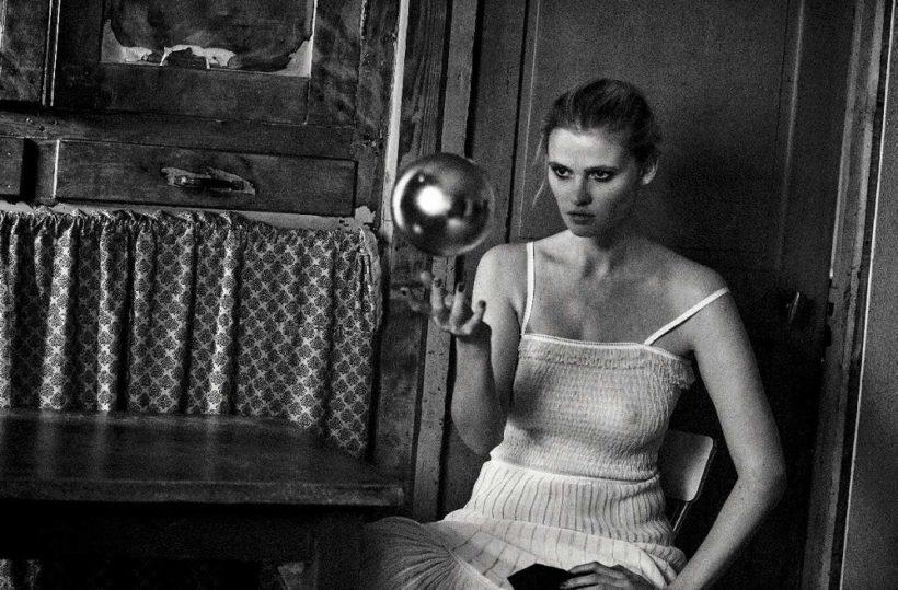 Lara Stone & Freja Beha Erichsen by Peter Lindbergh for Vogue Italia May 2016 (11)