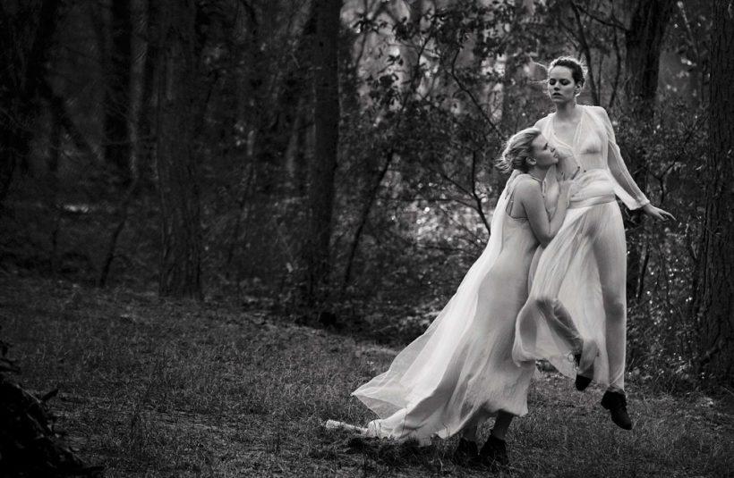 Lara Stone & Freja Beha Erichsen by Peter Lindbergh for Vogue Italia May 2016 (6)
