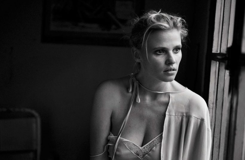 Lara Stone & Freja Beha Erichsen by Peter Lindbergh for Vogue Italia May 2016 (8)