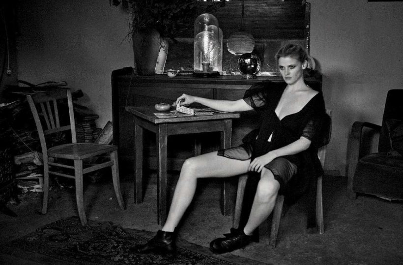 Lara Stone & Freja Beha Erichsen by Peter Lindbergh for Vogue Italia May 2016 (9)