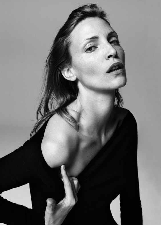 Nadja Auermann By Inez van Lamsweerde & Vinoodh Matadin For V Magazine Fall 2004 (4)