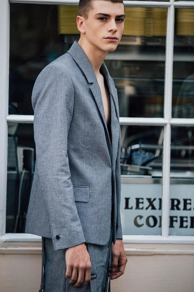 04875ade745 London Men's Fashion Week Spring 2018 Street Style - Minimal. / Visual.