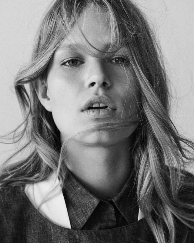 Anna Ewers by Giampaolo Sgura for Vogue Brazil August 2017
