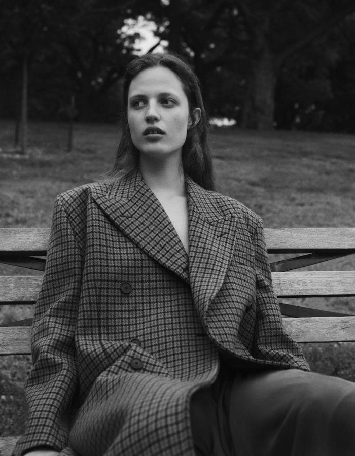 Julia Banas By Nicolas Kantor For Vogue Mexico October 2017